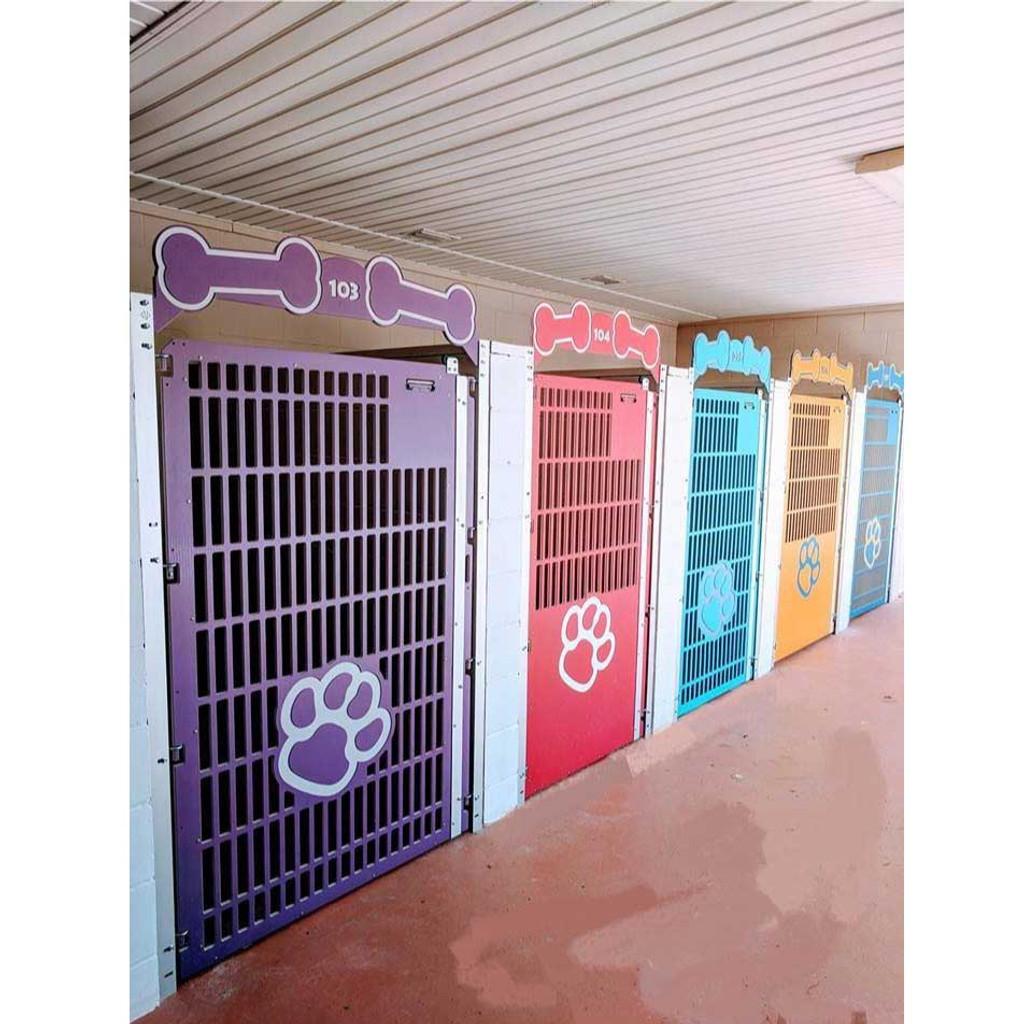 Mugus pet resort kennel gates.