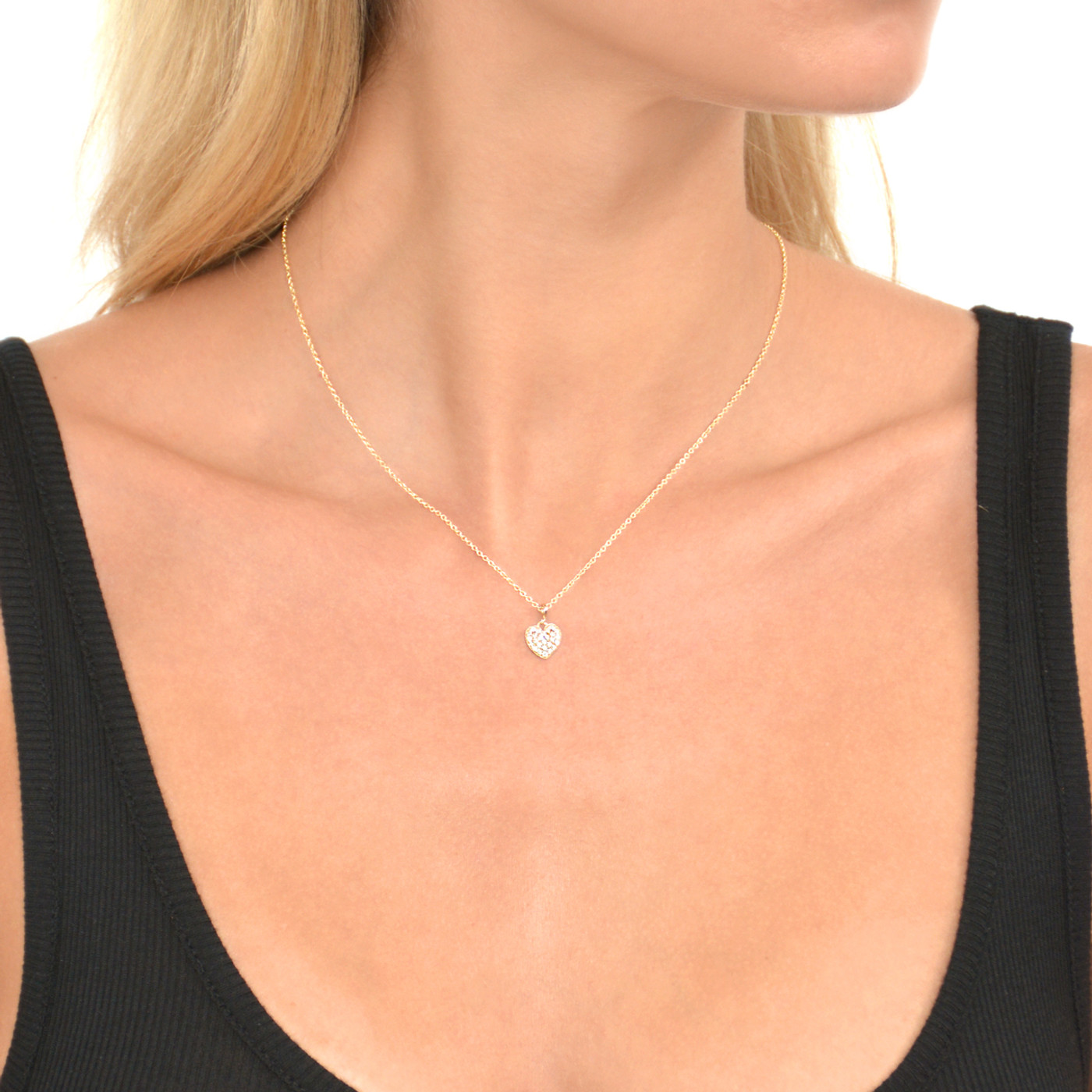 Delicate Heart Necklace Gold