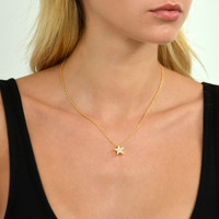 Touch Star Necklace Gold
