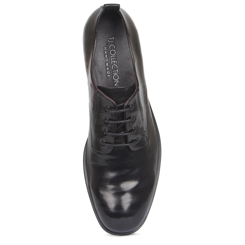 Derby Shoes in Black Texture Leather | TJ COLLECTION | Side Image - 3