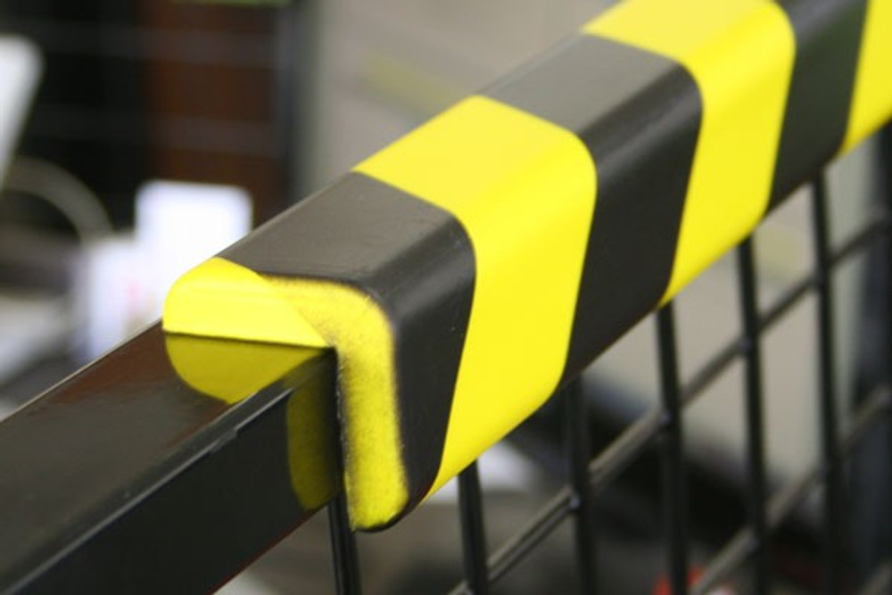 Polyurethane Anti collision strip 1m black and yellow -L- shaped profile
