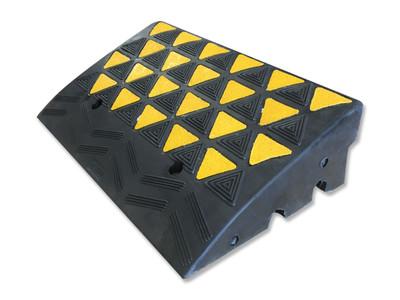 Kerb Ramp - HI VIS RUBBER 600 x 360 x 150mm BLK/YLW (16.5kg)