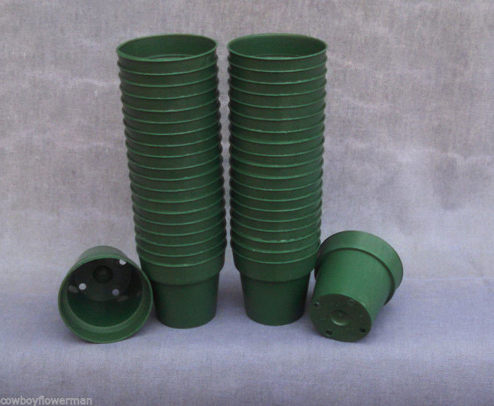 "Green Round 2 1/4"" Heavy Plastic Flower Pots"