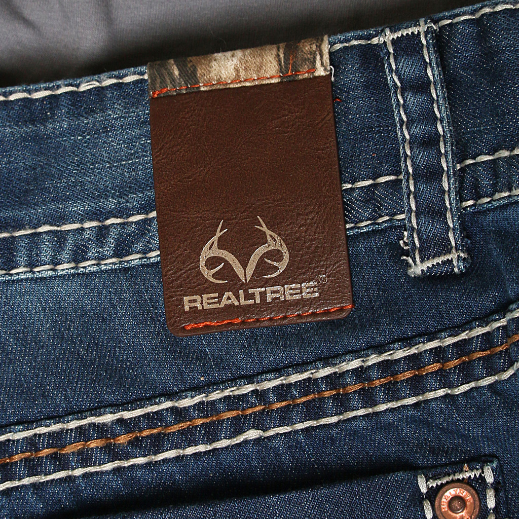 realtree accented boot cut denim jeans men s realtree jeans