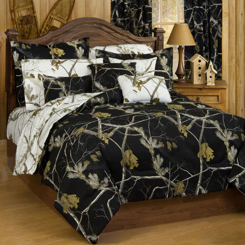 Realtree AP Black/AP Snow Camo Comforter Sets