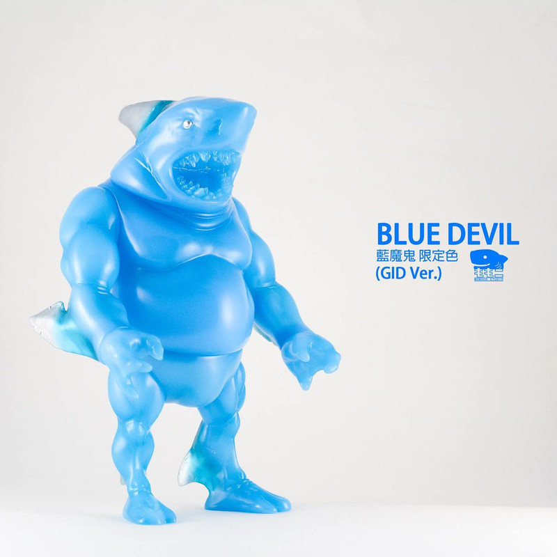 Shark Papa : Blue Devil GID PRE-ORDER SHIPS SEP 2018