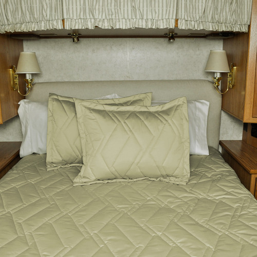 Luxor 3–Piece Bedspread Set for Airstream®