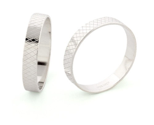 4mm Wide Ring Liner - Size 7