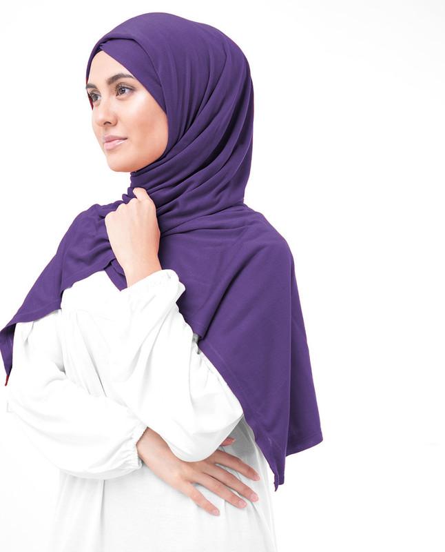dark purple hijab style