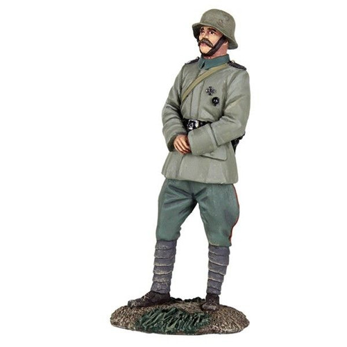 WBritain 1916-18 German Infantry Officer Standing with Hands Clasped in Front