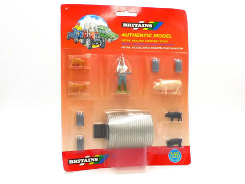 Britains/Herald 7187 Plastic Farm Range Accessory Pack 1:32 Scale