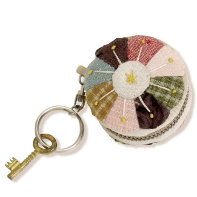 Olympus Patchwork Kit Daisy Macaroon Keyring PA-596