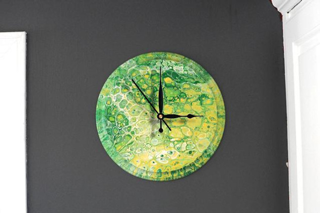 How To: Pour Painting on Wooden Clocks- Two Different Methods