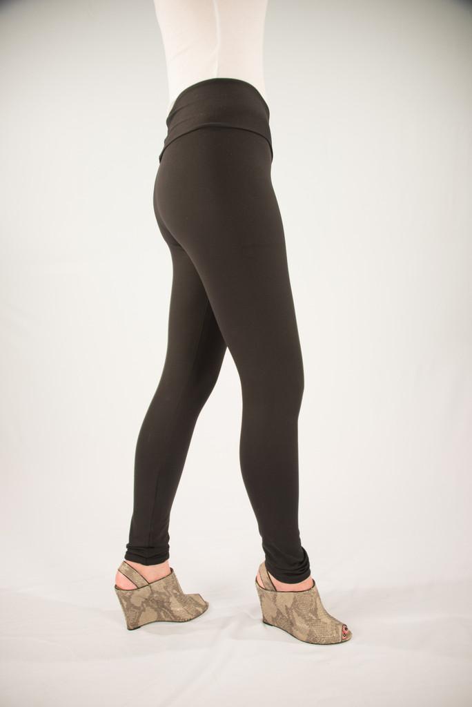 Pre-Order Sleek Cheeks Legging