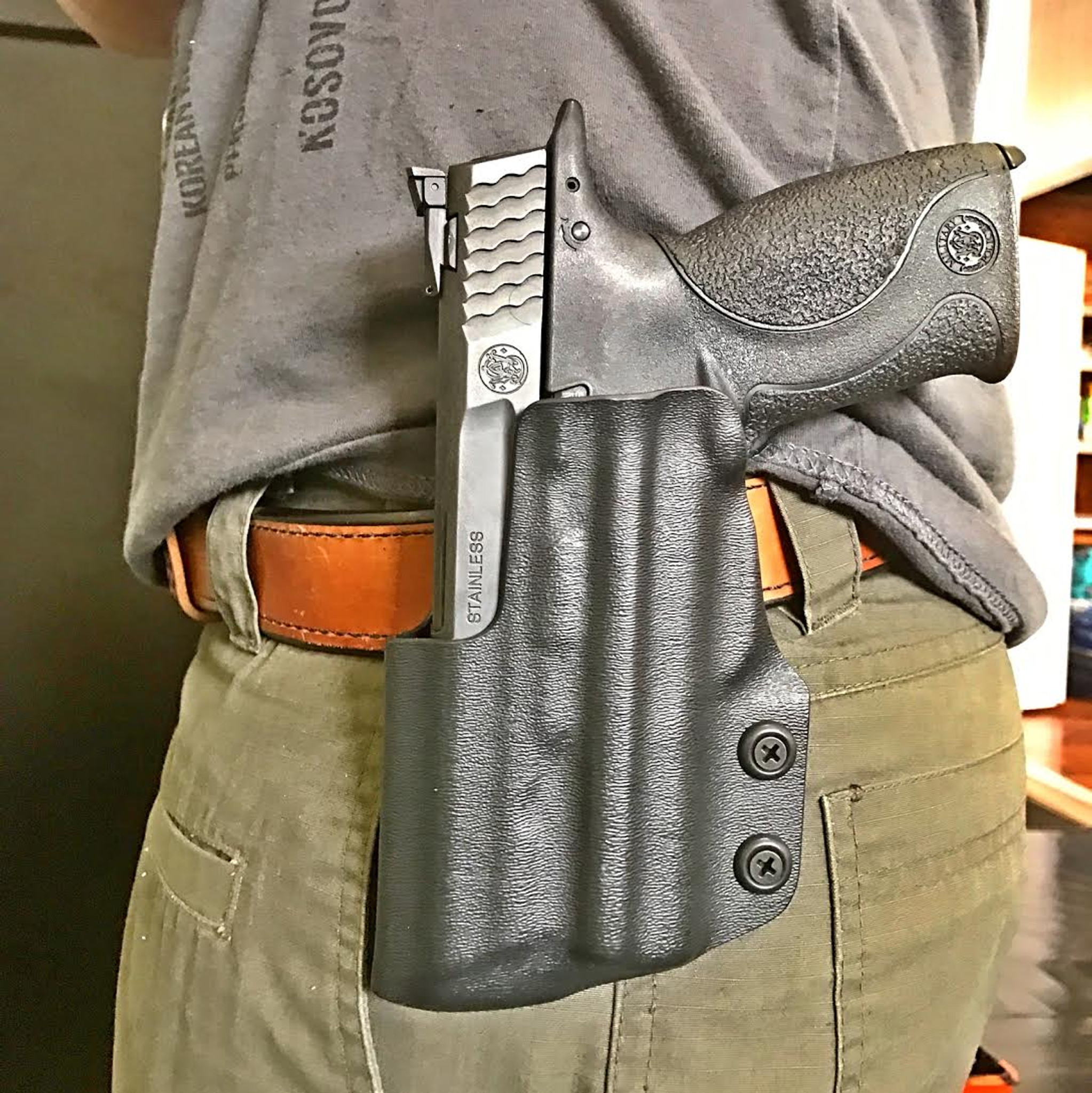 Action Sport Holster: Smith and Wesson M&P 40