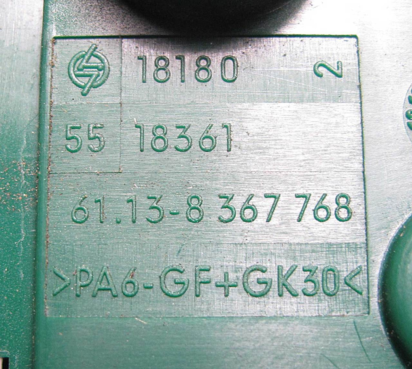 Fuse Box Green Explained Wiring Diagrams 1950s Bmw E39 5 Series Trunk Bus Bar Power Junction 1995 Ford Ranger Diagram