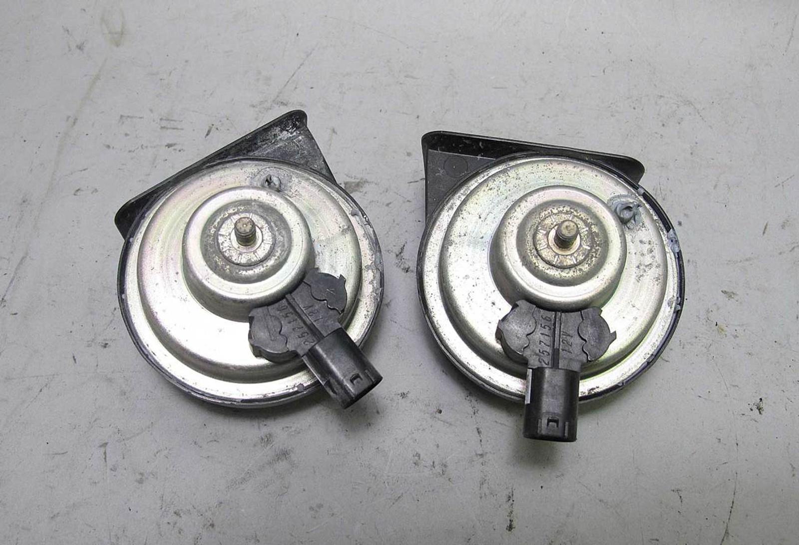 Bmw E90 E92 3 Series Factory Horn Pair High Low Pitch 2006 2013 Usa 325i Location