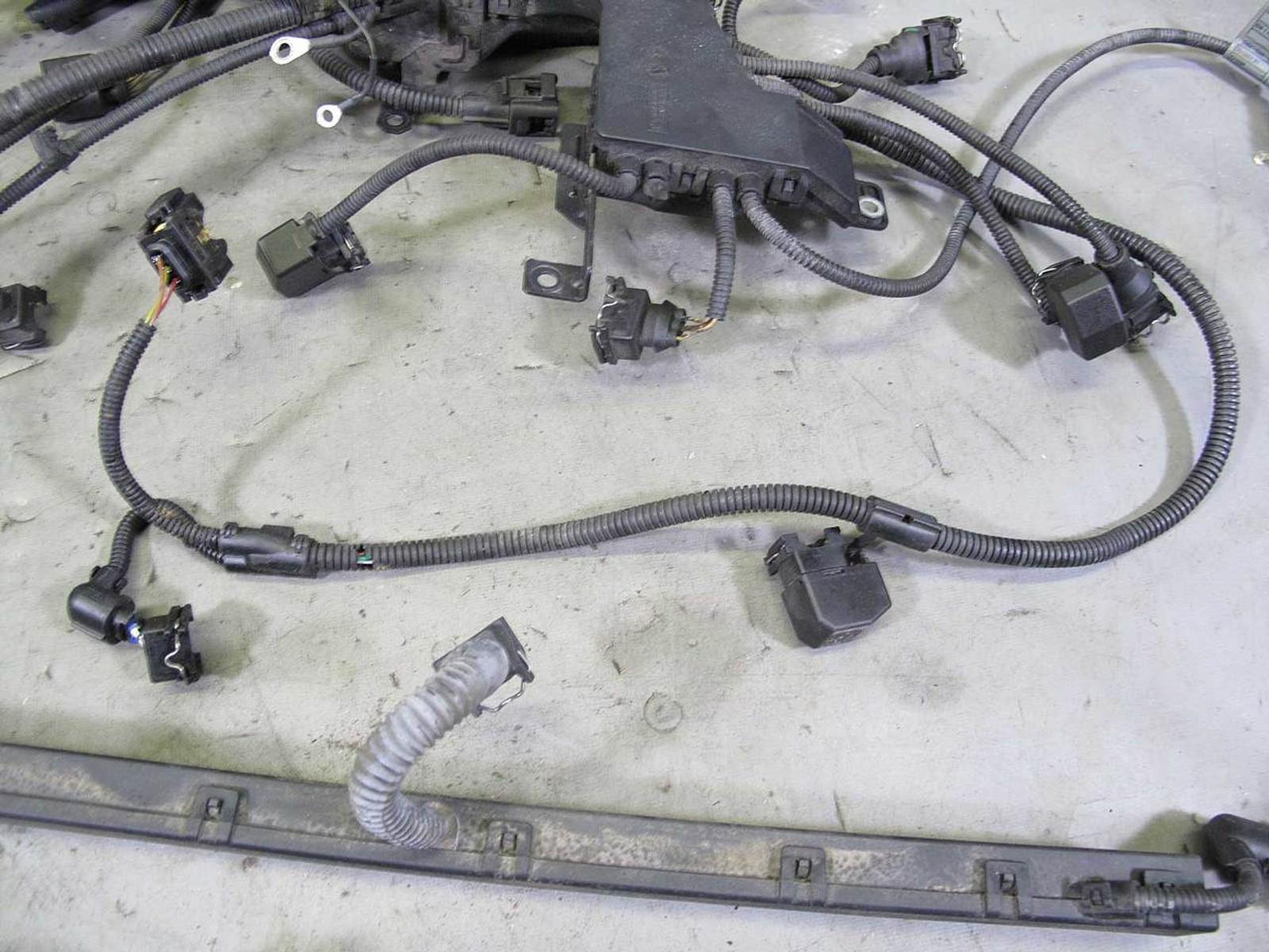 bmw e39 530i 525i 6-cyl m54 engine wiring harness w broken ... bmw 530i 2007 wire harness 2007 bmw 530i fuse box diagram