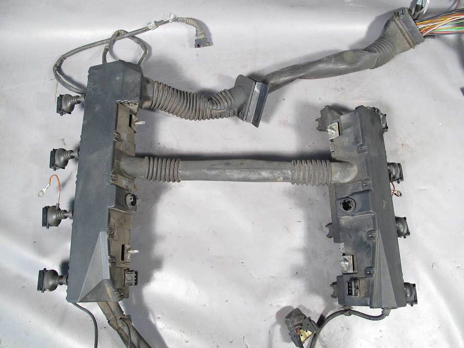 bmw e39 5 series 540i 4 4l v8 engine wiring harness. Black Bedroom Furniture Sets. Home Design Ideas