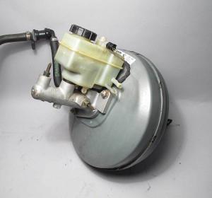 BMW E39 1997 528i Sedan Brake Booster Master Cylinder Reservoir USED OEM Lucas