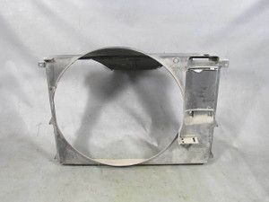 BMW E31 8-Series Front Radiator Cover Air Duct Shroud 1991-1995 840 850 USED OEM