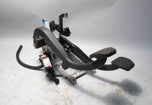 BMW E39 5-Series Complete Swap Clutch Pedal Bracket w Master 2000-2003 OEM USED - 4084