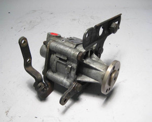 BMW 110 Bar Power Steering Pump Vickers E24 E28 E30 1984-1988 USED OEM - 2848