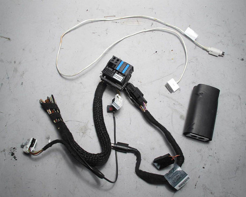 BMW E53 X5 X3 Z4 Factory iPod Interface Kit w Wiring Harness 2002