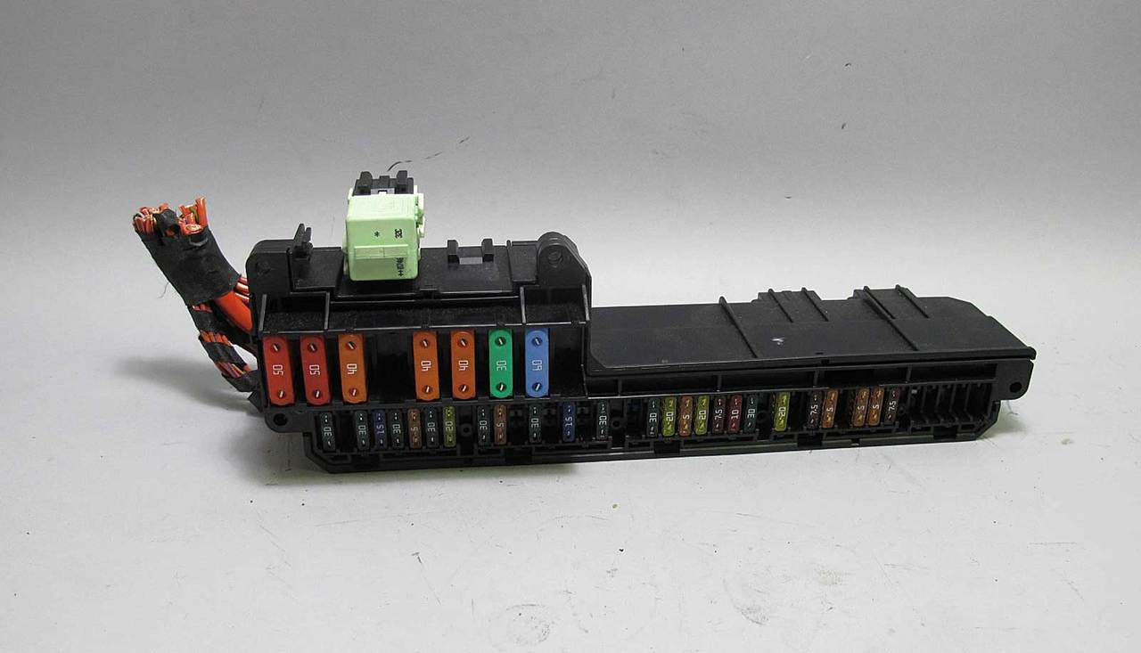 bmw e60 5 6 series e63 interior glove box front fuse box panel 2004 rh  prussianmotors com e63 m6 fuse box bmw e63 fuse box diagram