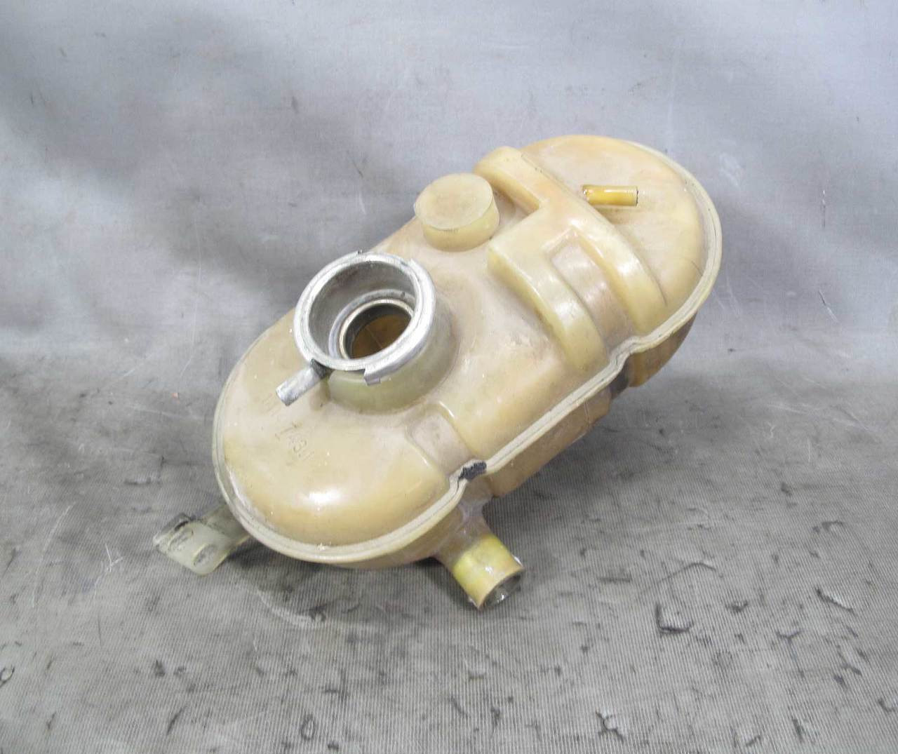 69 81 Bmw M30 Engine Coolant Expansion Tank Bottle Reservoir E3 E9