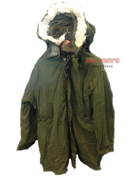 USGI Military Issue Vintage Extreme Cold Weather Parka Medium-Regular OD Green