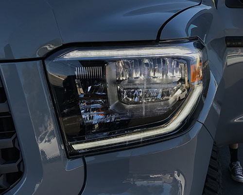 Custom Jeep Grand Cherokee >> 2018 Toyota Tundra LED headlights