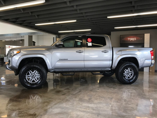 TACOMA PRO COMP 2.25 INCH LEVELING LIFT KIT