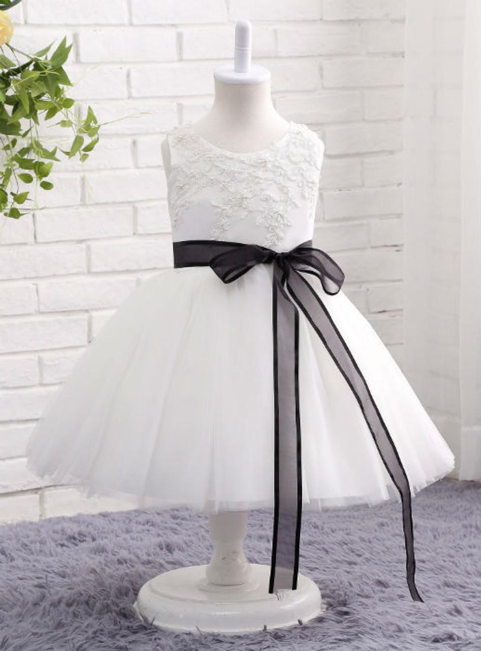 Modern White / Ivory Flower Girl Dress 2017 Lace Beading Ball Gown ...