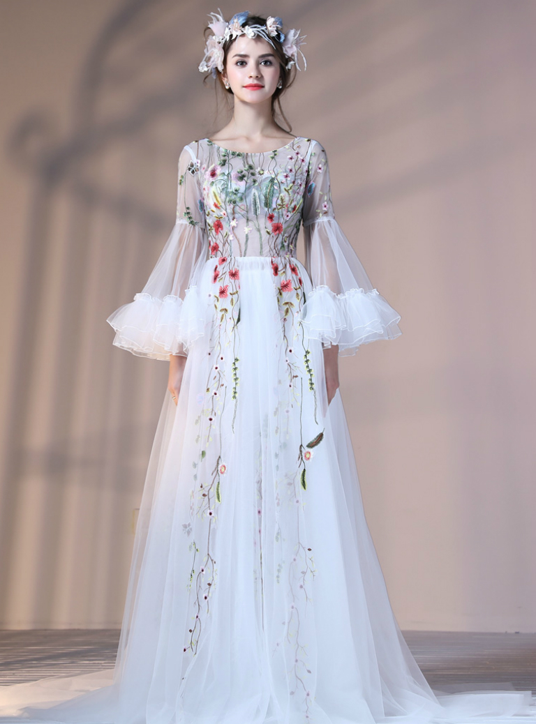 White Tulle Long Sleeve Prom Dresses with Embroidery Banquet Party Gowns