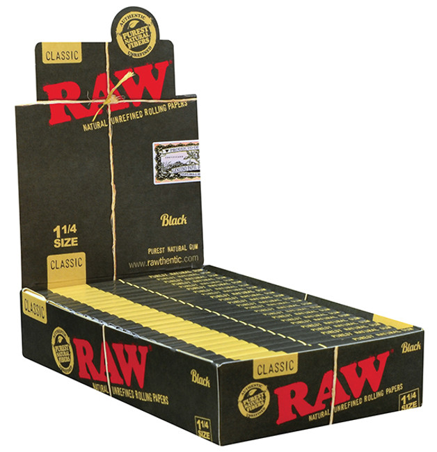 RAW Black Natural 1 1/4 | 24 pk | Retail Display