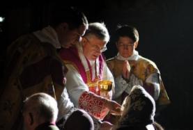 veiledatcommunion.png