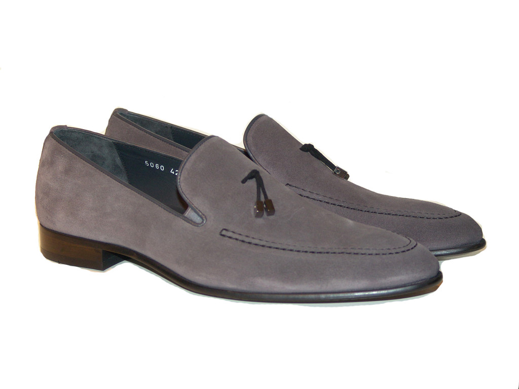 Corrente 5060 Suede Loafer with whit contrast strap- Grey