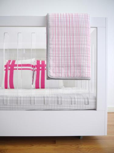 Hashtag Organic Quilt - Pink