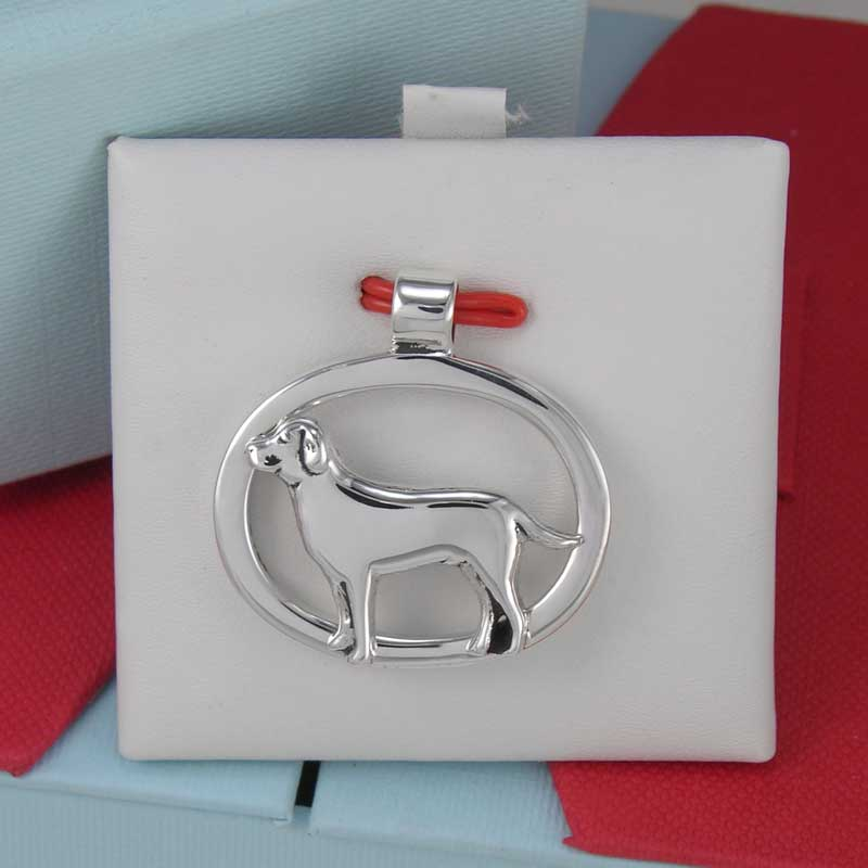 Labrador Oval Pendant in gift box