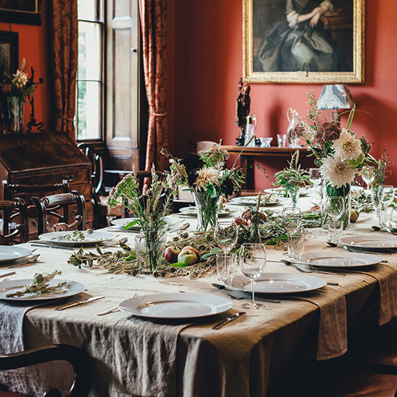 4 Things That Need to Be on Your Holiday Hosting Checklist