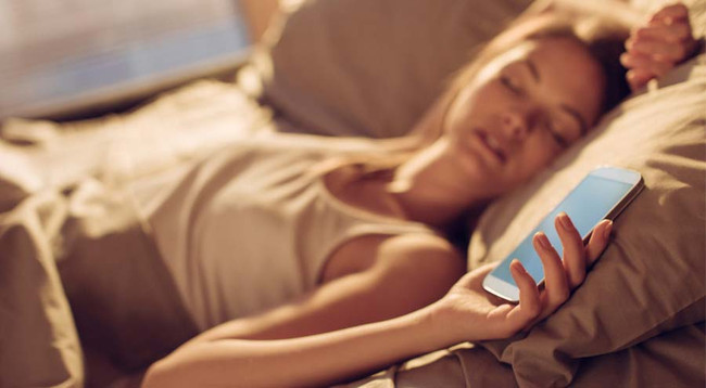 Why You Should Unplug Before Bed