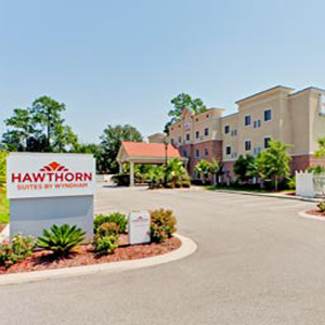 Hawthorn Suites Hotel Bedding By DOWNLITE