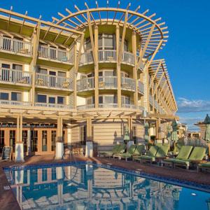 Watercolor Inn Hotel Bedding By DOWNLITE