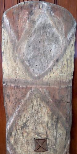 Huge Vintage 100% genuine PNG tribal wooden war shield, museum quality #4