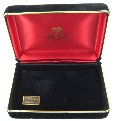 c1960s / 1970s SEIKO QUARTZ DELUXE LARGISH FELT LINED DISPLAY BOX.