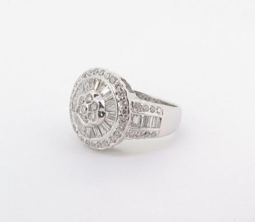 1.25cttw Diamond Ladies 18k Gold Target Cluster Ring Size J Val $5475