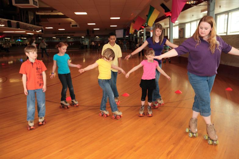 learn-to-roller-skate