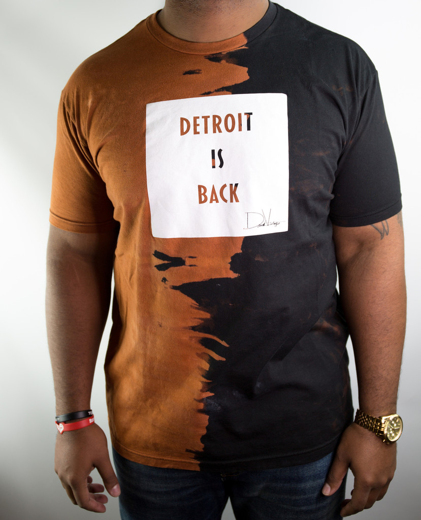 DETROIT IS BACK™ HAND STAINED TEE – BLACK/WHITE