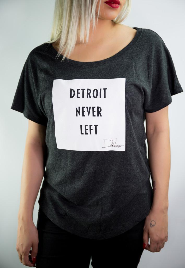 Detroit Never Left™Wmns Dolman Tee - Vintage Black/White
